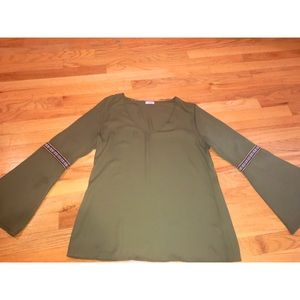 Tobi Tops - green bell sleeved shirt